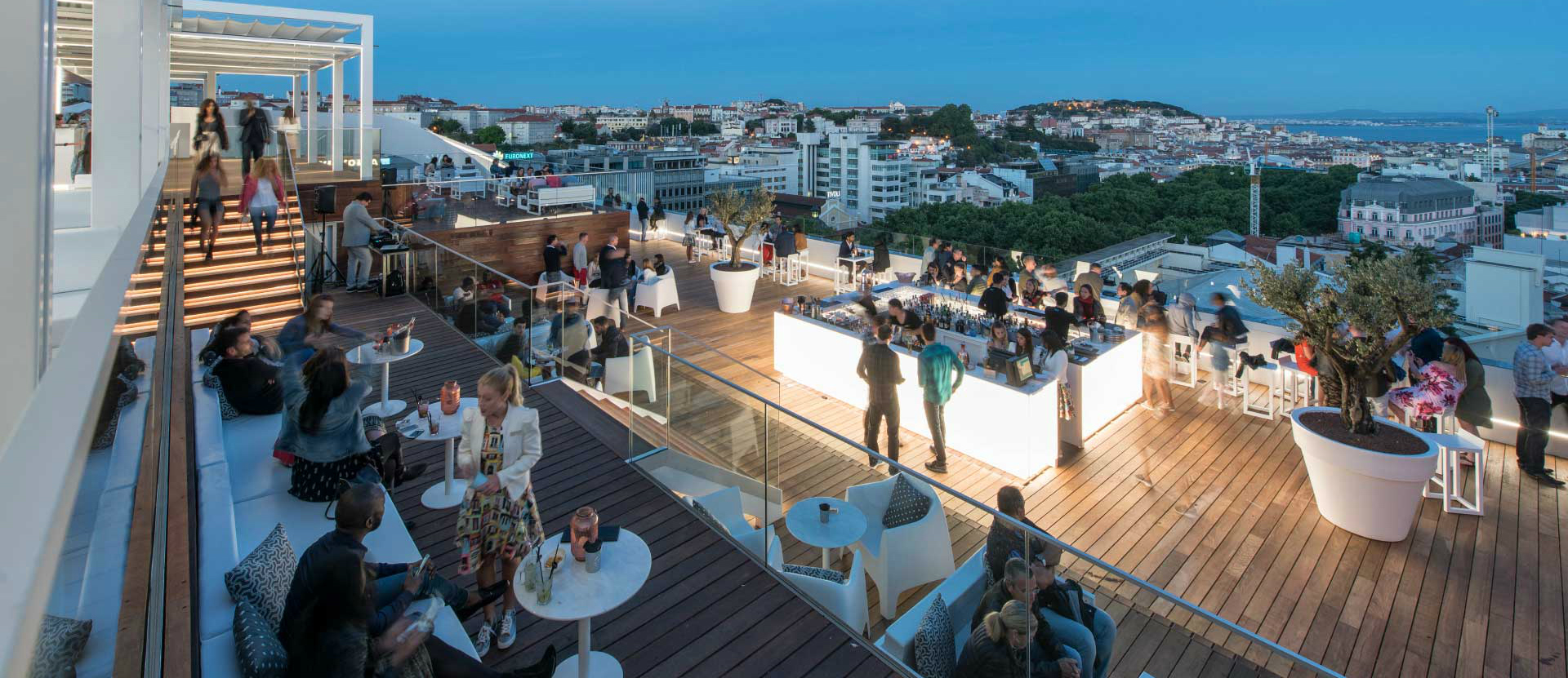 Best rooftops in Portugal: sky bar hotel tivoli what to do in lisbon What To Do In Lisbon: 48 Hours In The Capital Carrocel 3 64