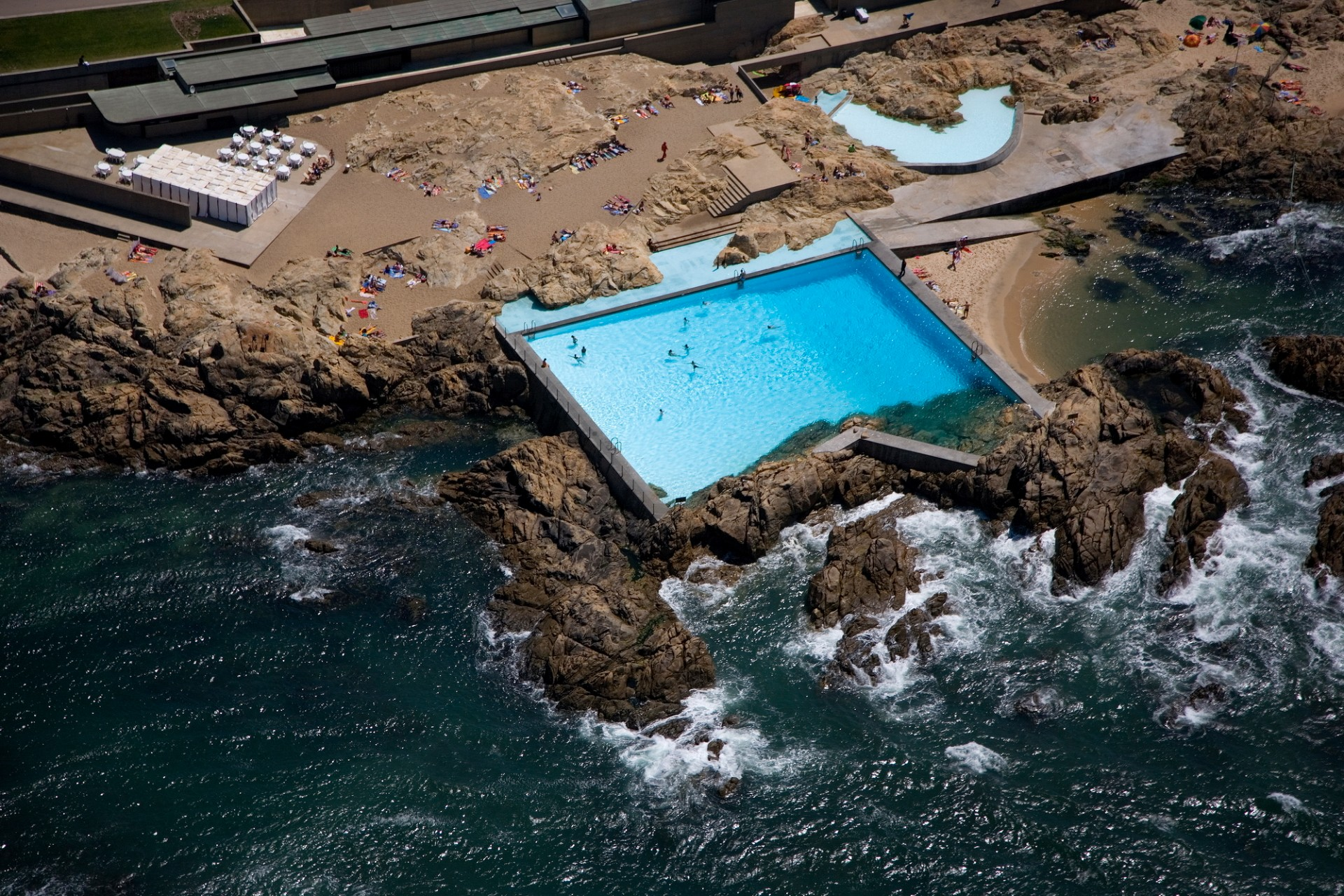 Best Architectural Design: Piscina das Marés what to do in porto What to do in Porto: 48 hours in the Undefeated city 05