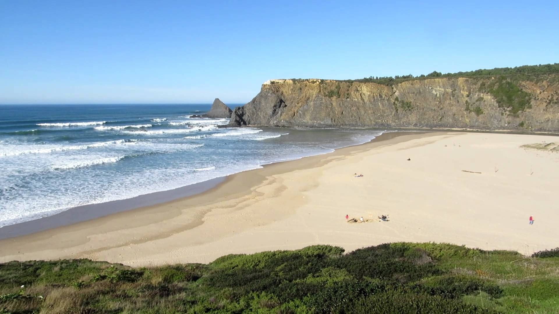 Best Portuguese Beaches To Enjoy This Summer best portuguese beaches Best Portuguese Beaches To Enjoy This Summer Best Portuguese Beaches To Enjoy This Summer 5