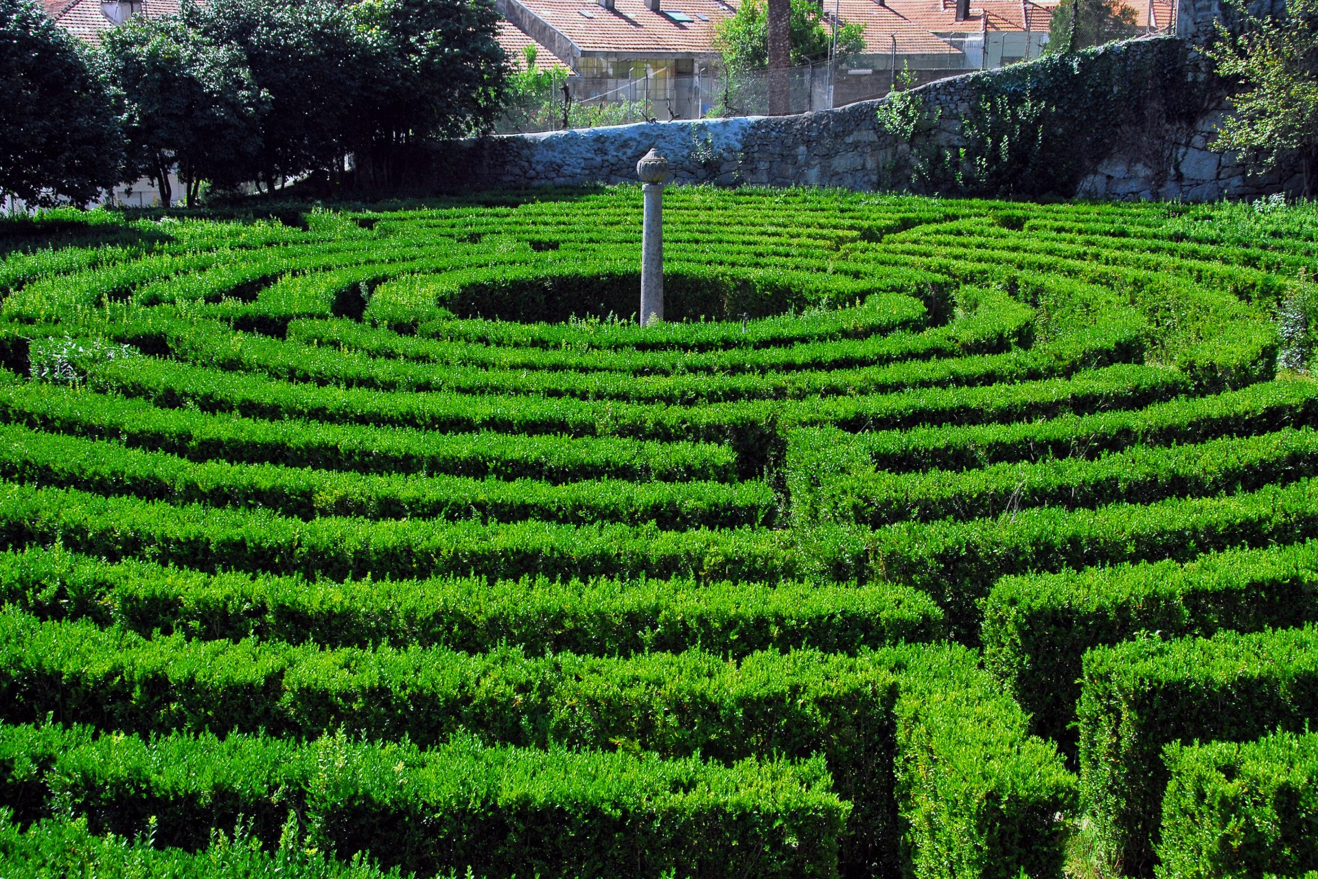 What to visit in Portugal: 10 Secret Gardens in Porto - Parque de São Roque what to visit in portugal What to visit in Portugal: 10 Secret Gardens in Porto Campanh   Parque de S  o Roque da Lameira Jardins 4 1