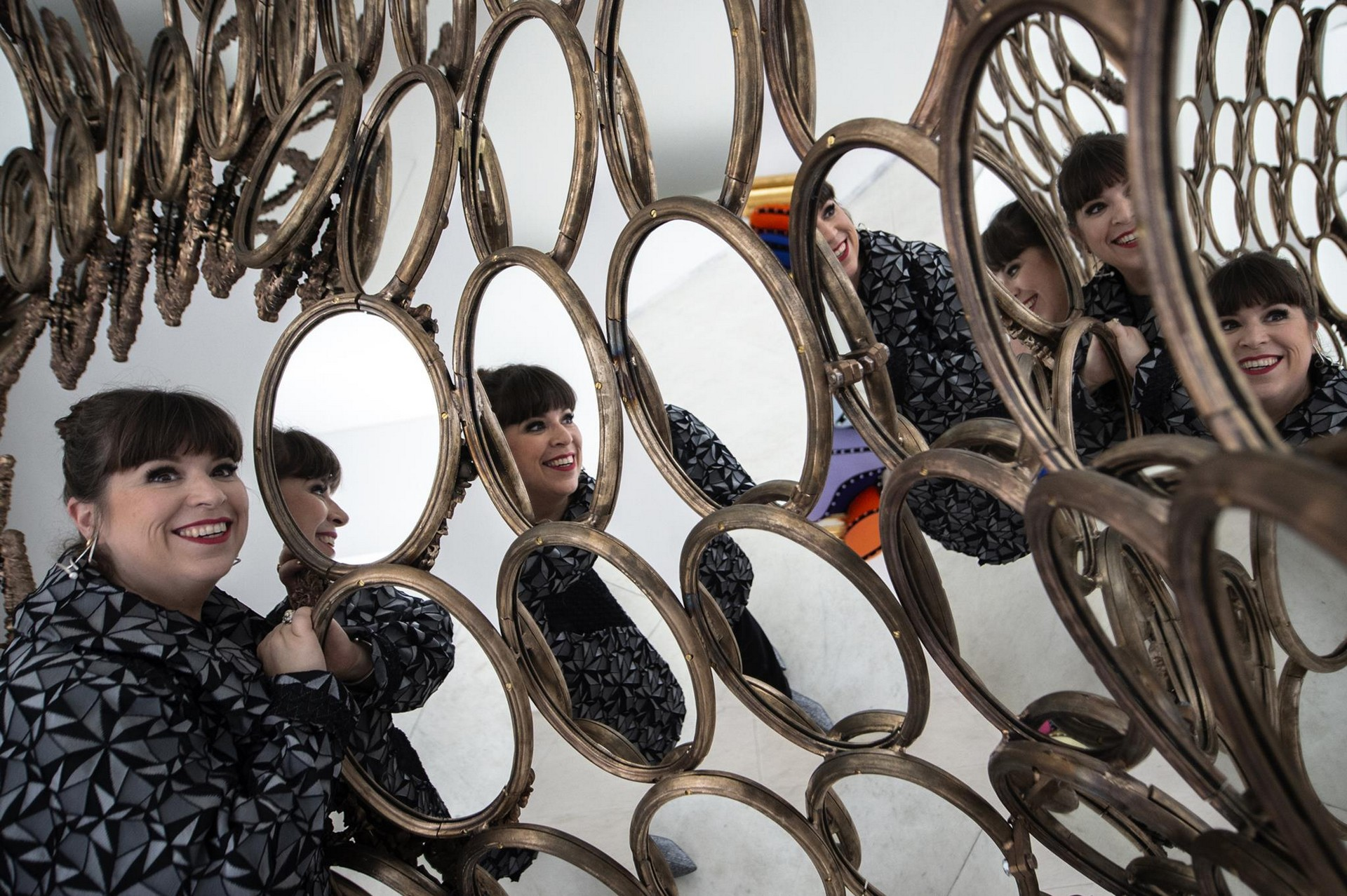 Joana Vasconcelos Takes Over Serralves with I'm Your Mirror joana vasconcelos Joana Vasconcelos Takes Over Serralves with I'm Your Mirror Joana Vasconcelos Takes Over Serralves with Im Your Mirror 5