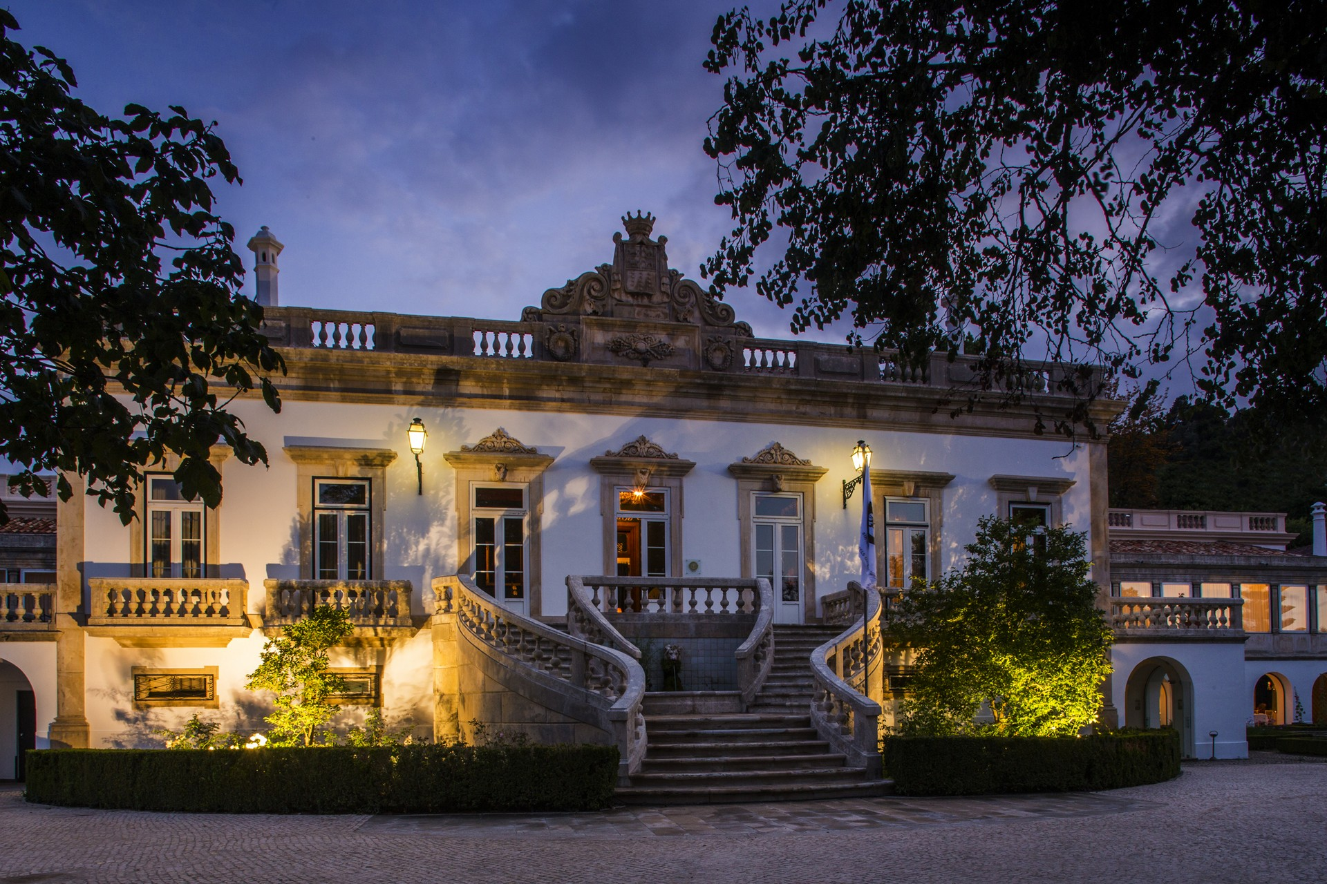 Luxury Hotels To Get To Know In The Centre: Quinta das Lágrimas Hotel luxury hotels Luxury Hotels To Get To Know In The Centre Luxury Hotels To Get To Know In The Centre 1