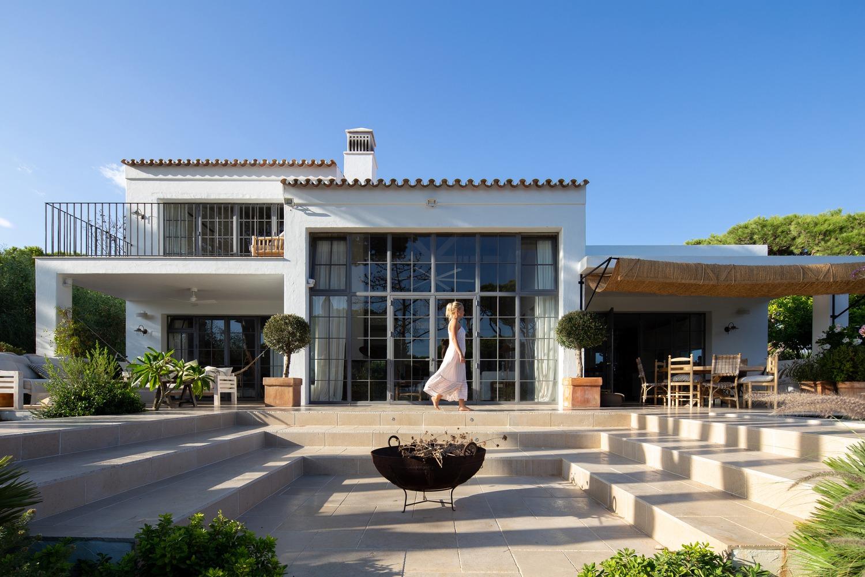 Villa AH: Algarve's Newest Beach House by CORE Architects villa ah Villa AH: Algarve's Newest Beach House by CORE Architects 4