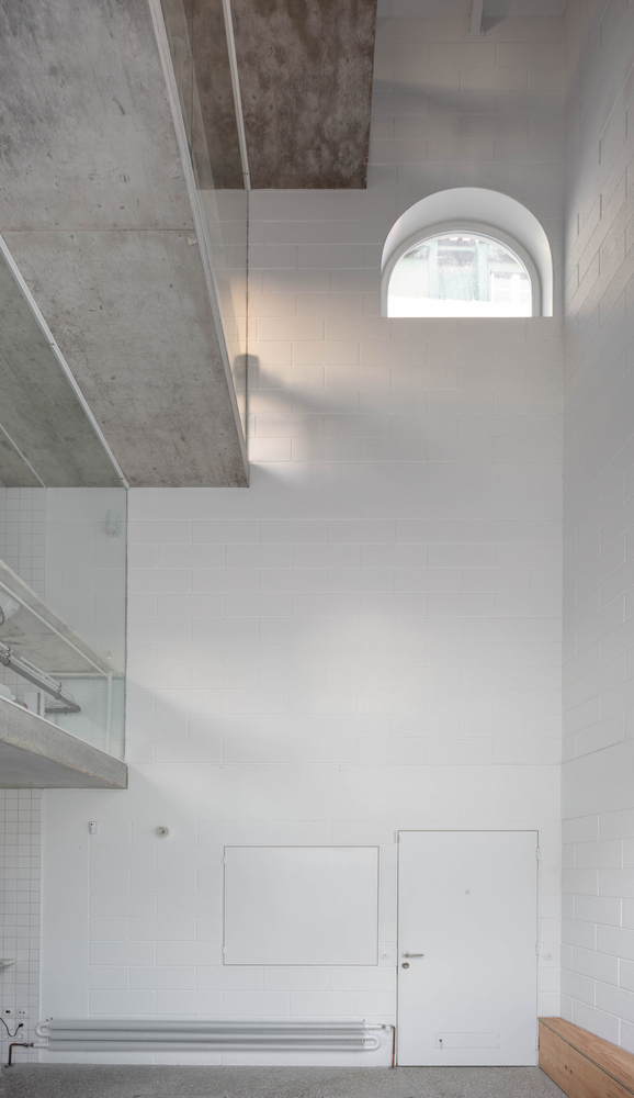 'Casa Dodged' Is The New Project In Lisbon That Blends History With Contemporary Lines dodged house Dodged House Is The New Project In Lisbon That Blends History With Contemporary Lines DodgeHouse      DylanPerrenoud 102