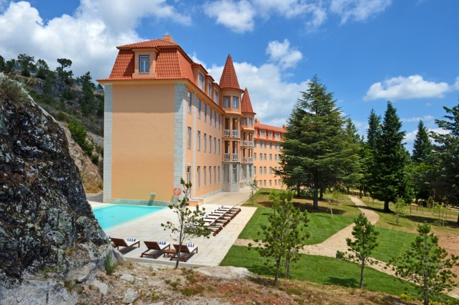 Culture, History And Tradition: Discover The Best Historic Hotels In Portugal  historic hotels Culture, History And Tradition: Discover The Best Historic Hotels In Portugal Pousada Serra da Estrela 670x446