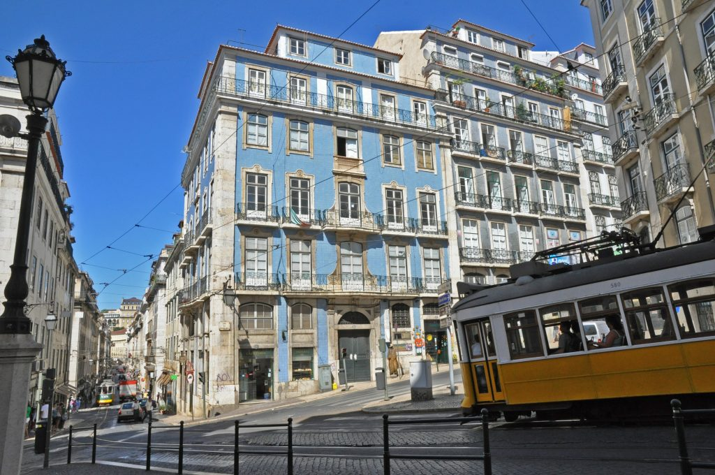 Emmanuel Babled: The Glass Designer That Chose Portugal emmanuel babled Emmanuel Babled: The Murano Glass Designer That Chose Portugal RUA DA MADALENA 85 1024x680