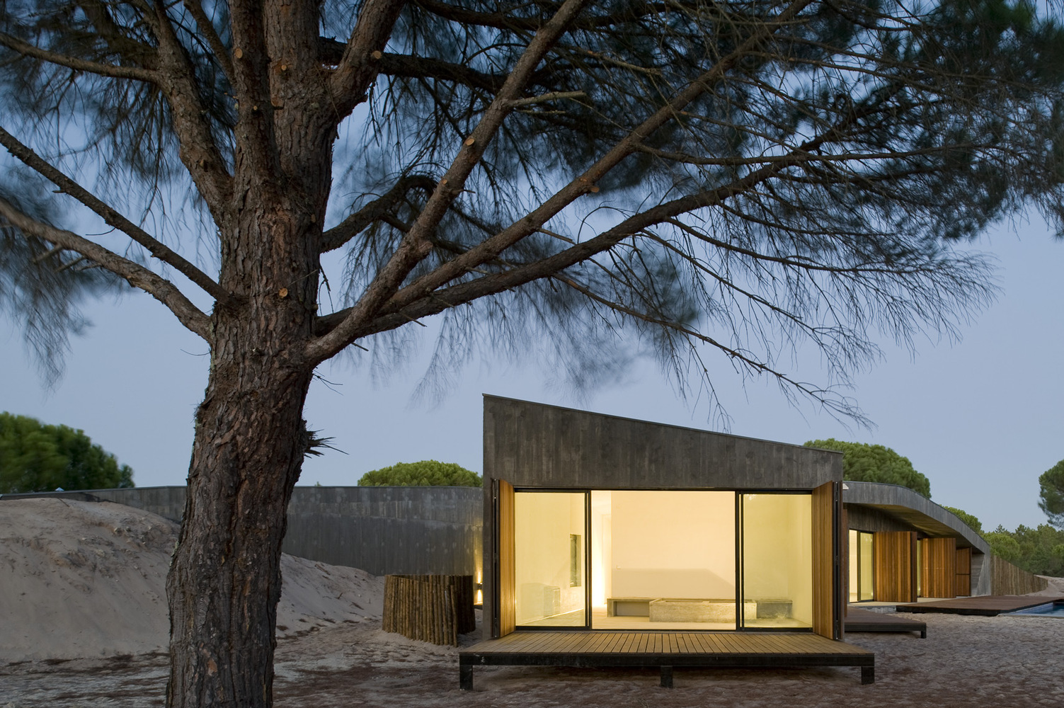 Discover Comporta's Dune House by Pereira Miguel Arquitectos dune house Discover Comporta's Dune House by Pereira Miguel Arquitectos a690e9d5 ba4c 4aff 9bc6 c7366f50591f
