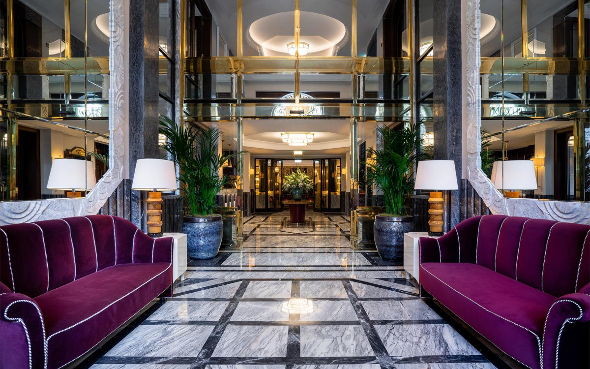 City Guide: Discover The Best From Porto city guide City Guide: Discover The Best From Porto hall