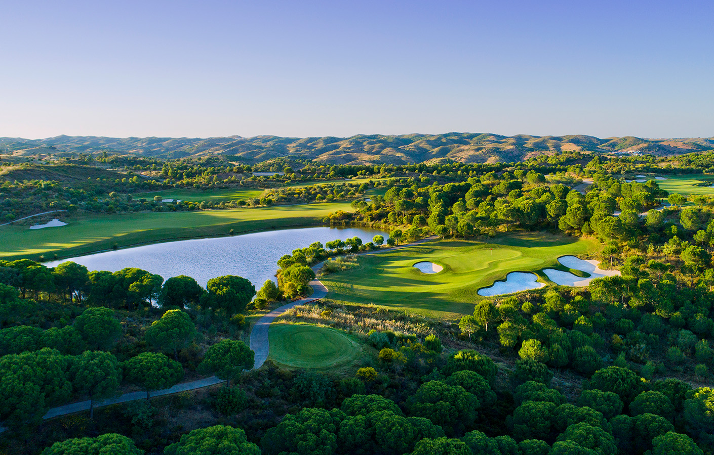 The Best Golf Resorts In Portugal best golf resorts The Best Golf Resorts In Portugal hero golf