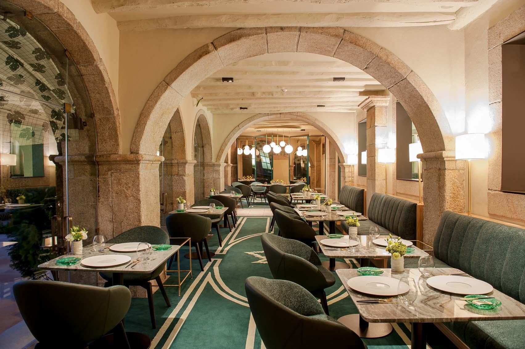 Portuguese Gastronomy: Best Luxury Restaurants in Portugal luxury restaurants Portuguese Gastronomy: Best Luxury Restaurants in Portugal    mesa do ANTIQVVM