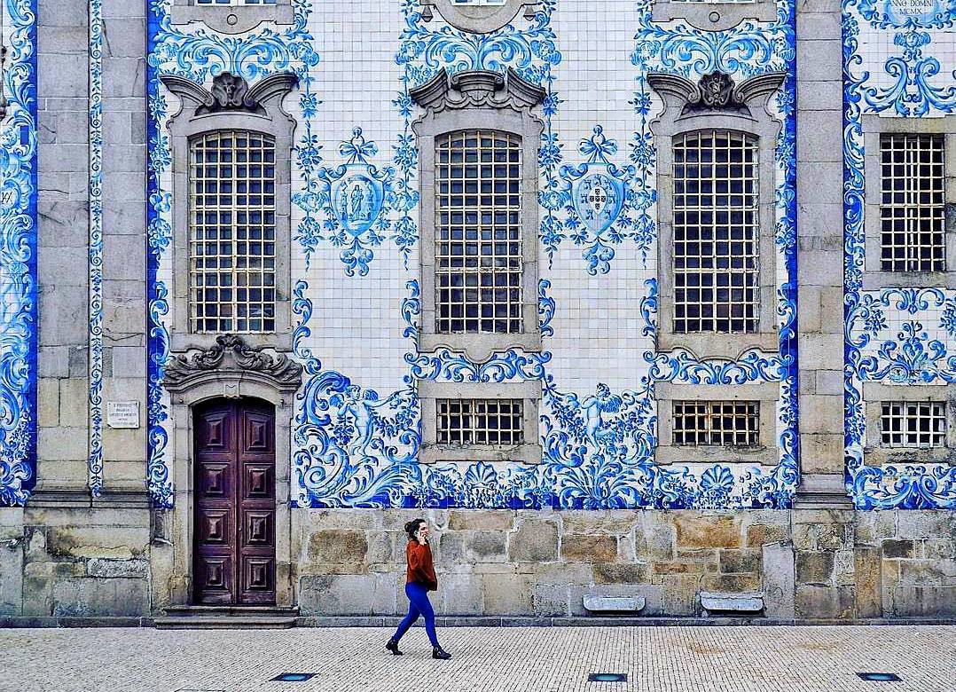 Portuguese Tiles: More Than a Decoration Motif  portuguese tiles Portuguese Tiles: More Than a Decoration Motif 20759910 247354939117709 8890842865500946432 n