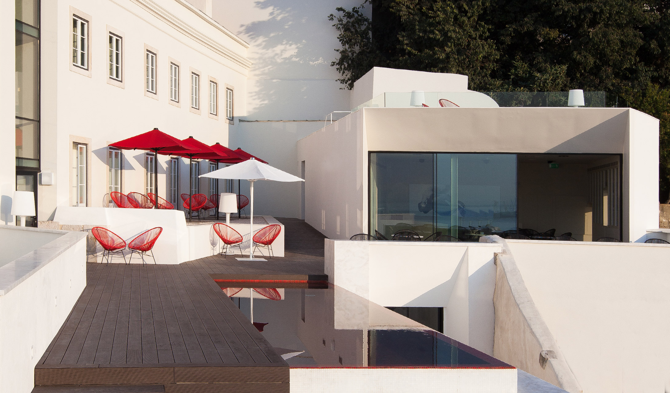 The Best Rooftop Bars in Portugal best rooftop bars in portugal The Best Rooftop Bars in Portugal Memmo Alfama 3