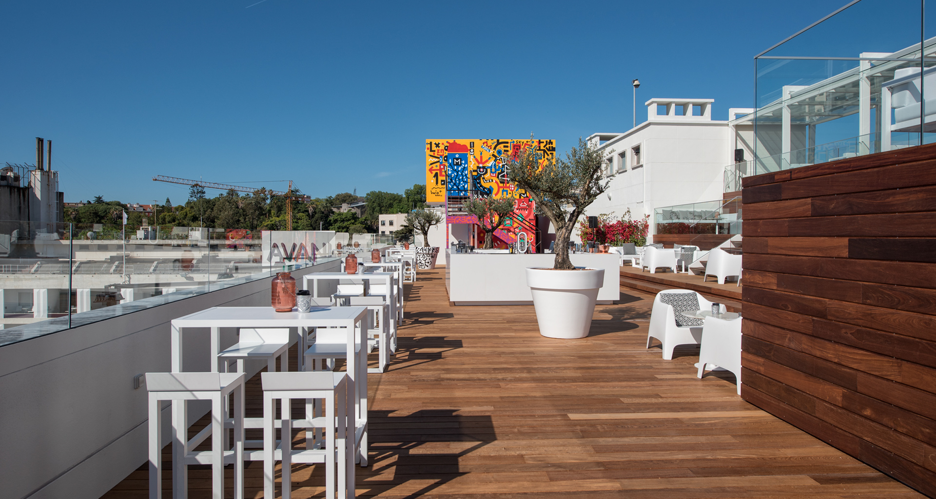 The Best Rooftop Bars in Portugal best rooftop bars in portugal The Best Rooftop Bars in Portugal Sky bar Hotel Tivoli 2