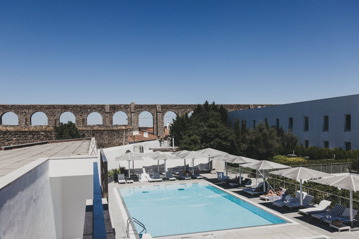 The Best Luxury Hotels In Portugal  luxury hotels The Best Luxury Hotels In Portugal alma de alecrim viagens evora mar dar aqueduto 012