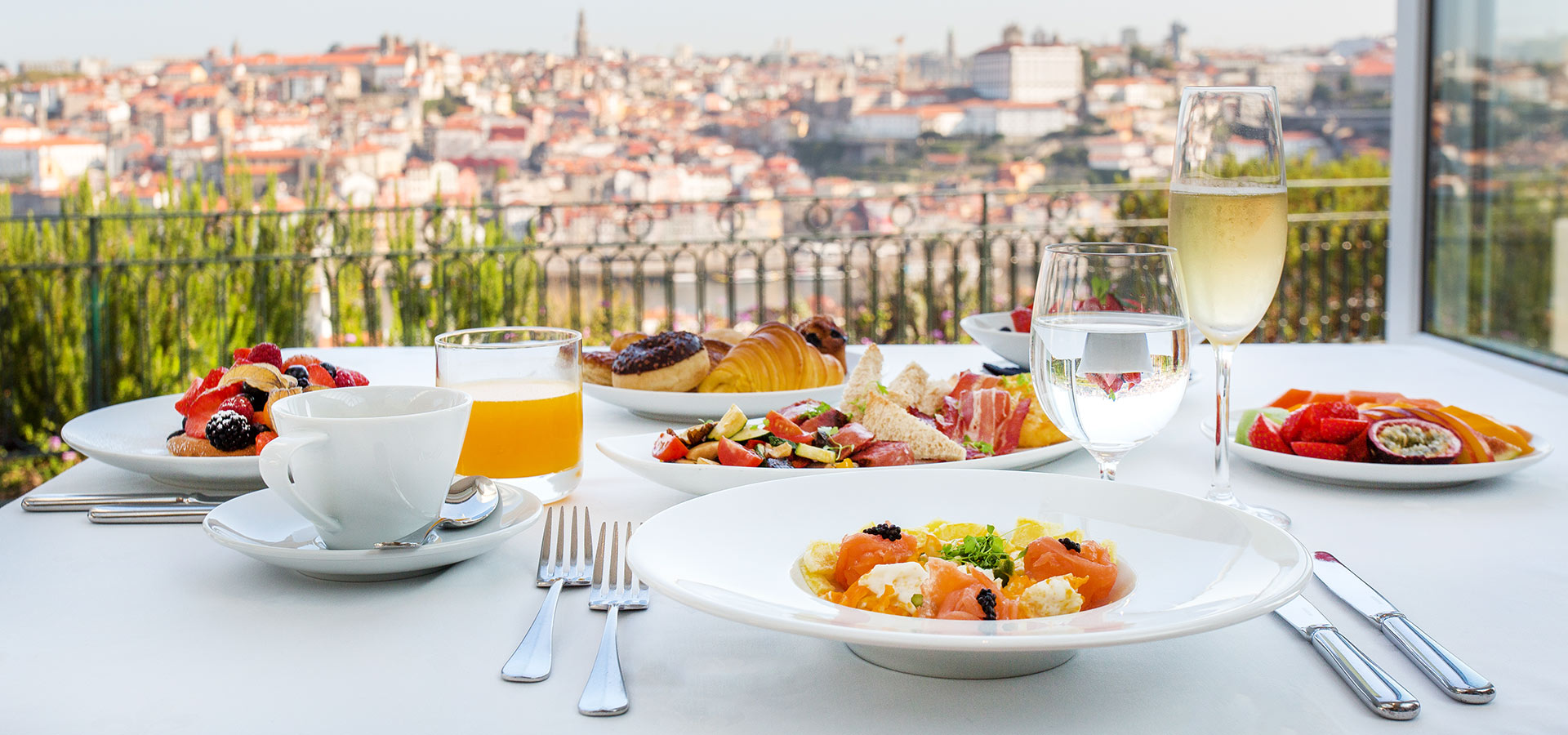 Portuguese Gastronomy: Best Luxury Restaurants in Portugal luxury restaurants Portuguese Gastronomy: Best Luxury Restaurants in Portugal pa yho 7052898845a797b6960226