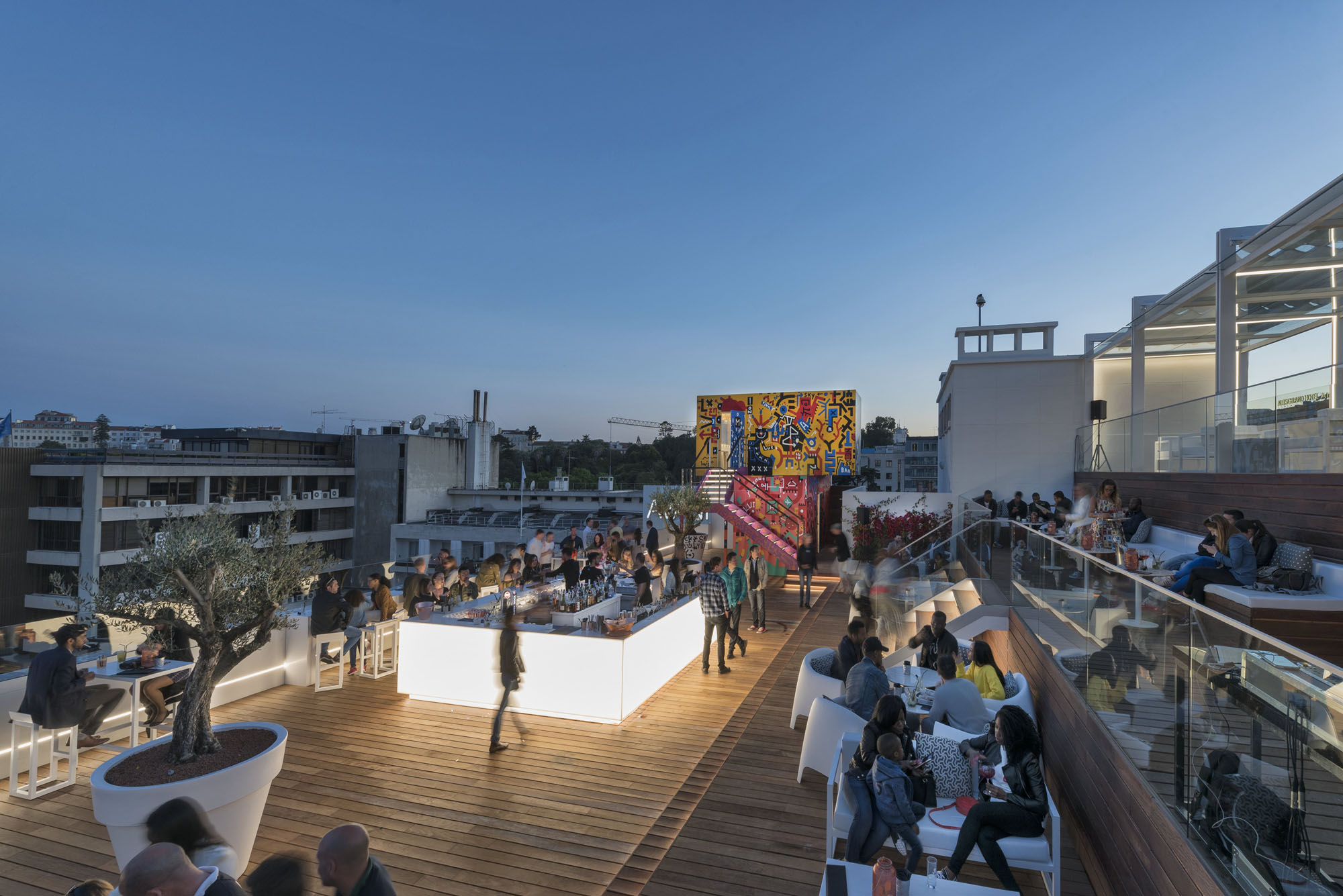 The Best Rooftop Bars in Portugal best rooftop bars in portugal The Best Rooftop Bars in Portugal sky bar 2