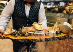 seafood Amazing Seafood Places To Taste The Summer GALERIA restaurante 001 squashed 1 250x177