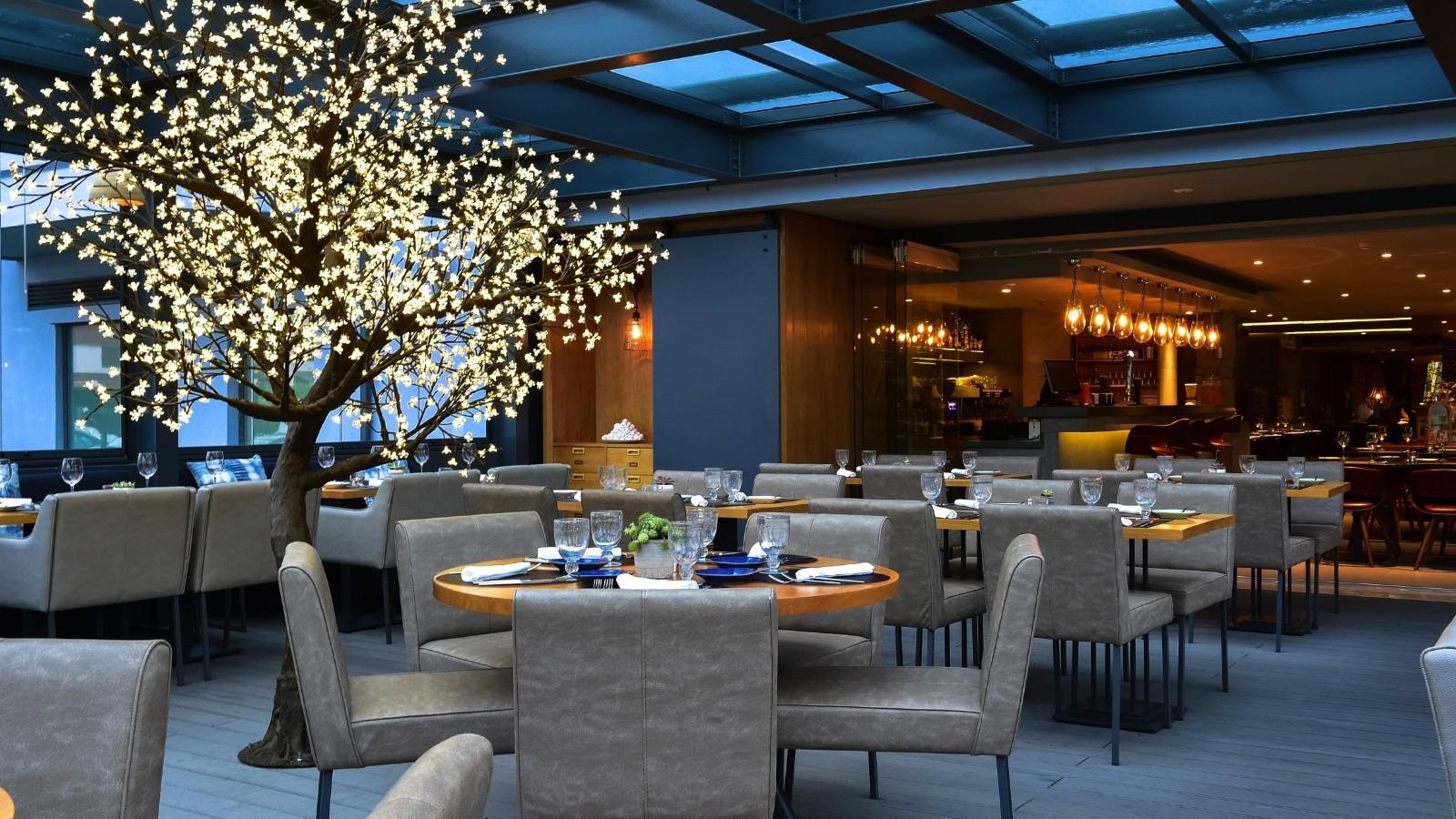 hotel Prime Energize Hotel: A Project by Nini Andrade Silva L08zbS8tME0zWnJTbS96NHNwSjdTbk1qblNtL0tqSjdaSzdqbXNSU1otU250enRka3I