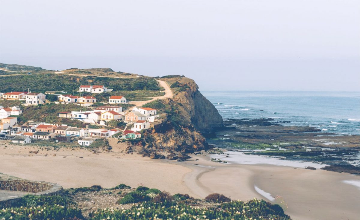 Monte Clérigo: This Secret Beach In Algarve Is A Paradise Waiting To Be Discovered algarve Monte Clérigo: This Secret Beach In Algarve Is A Paradise Waiting To Be Discovered Portugal Algarve Monte Clerigo e1564582503527