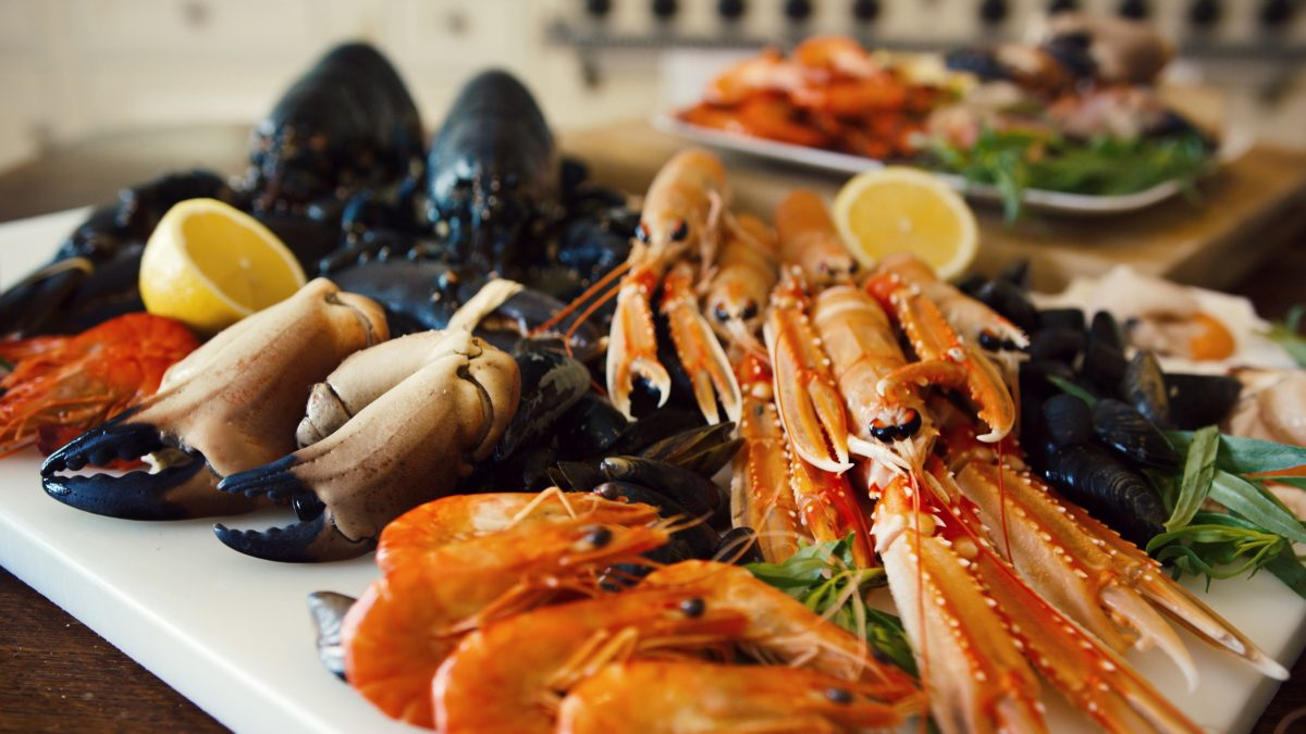 Amazing Seafood Places To Taste The Summer seafood Amazing Seafood Places To Taste The Summer Seafood Platter e1563977062249