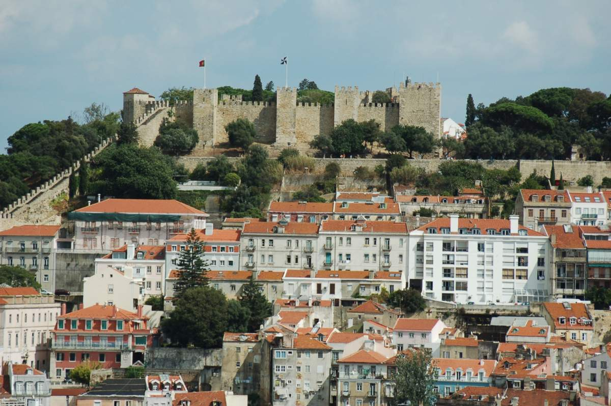 Secrets Itinerary: The Best Tips To Fully Enjoy Lisbon  lisbon Secrets Itinerary: The Best Tips To Fully Enjoy Lisbon castle sao jorge lisbon portugal