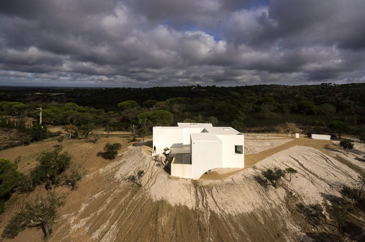 Best Architecture Projects: Discover House In Fontinha architecture Best Architecture Projects: Discover House In Fontinha 037 e1566828466129