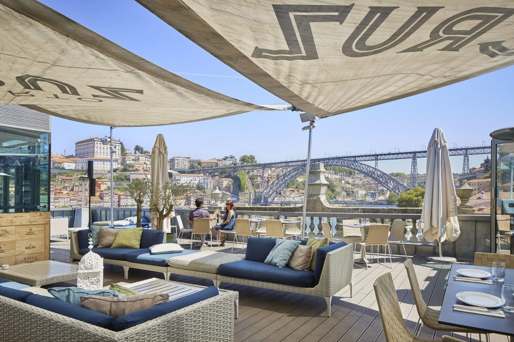 Secrets Tips: The Best Rooftops To Enjoy Summer Nights rooftops Secrets Tips: The Best Rooftops To Enjoy Summer Nights 1503484375299i 1024x682