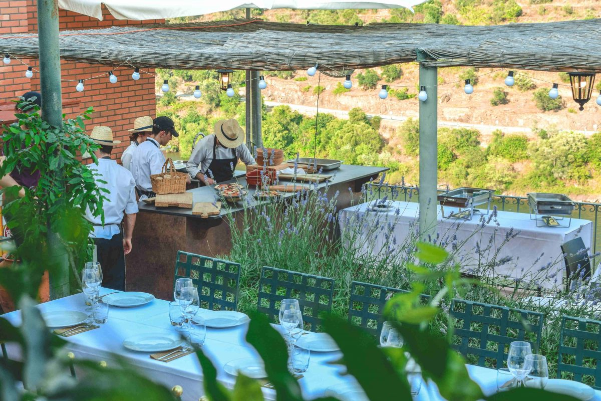 Secrets Tips: Discover The Amazing New Terrace Overlooking The Douro   terrace Secrets Tips: Discover The Amazing New Terrace Overlooking The Douro DSC 1224 1200x800