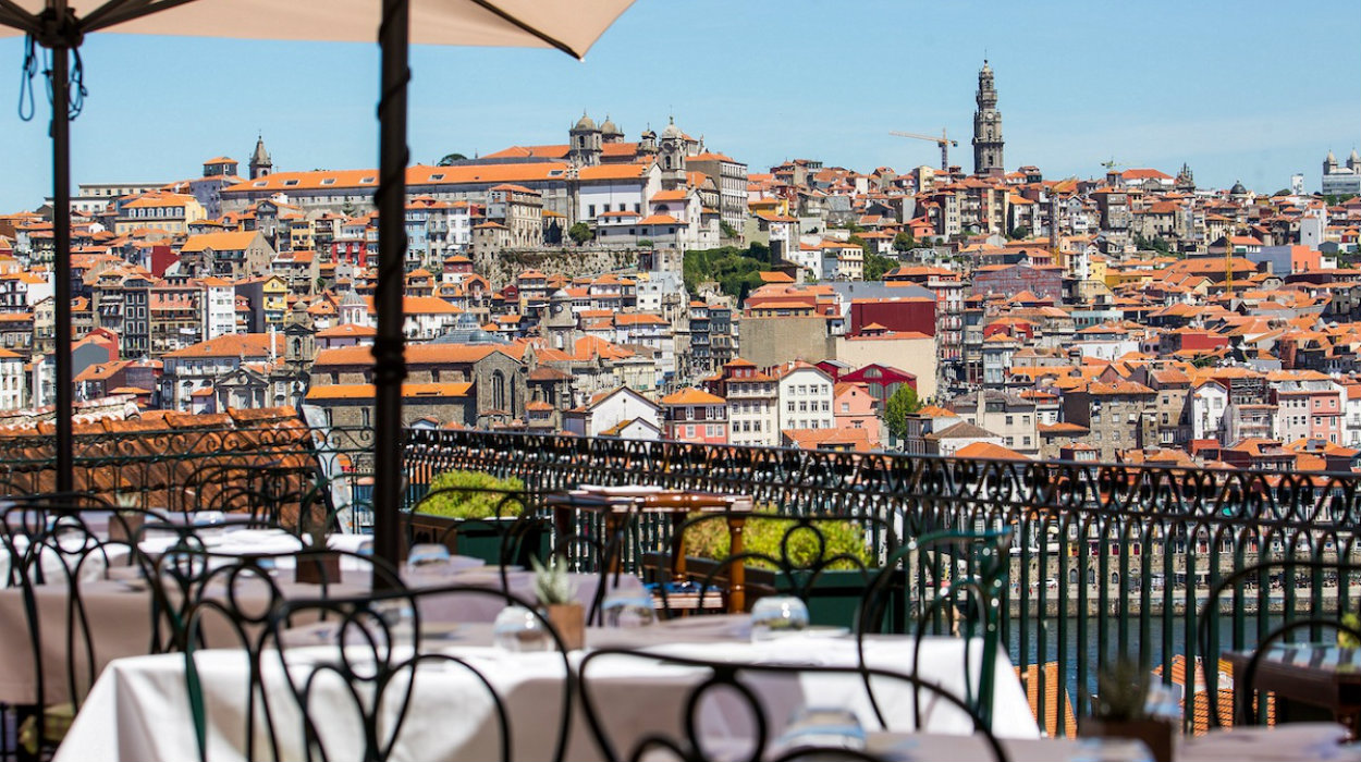 porto Porto: Taylor's Wineries Have Amazing New Dishes To Order This Summer Restaurante Bar  o Fladgate