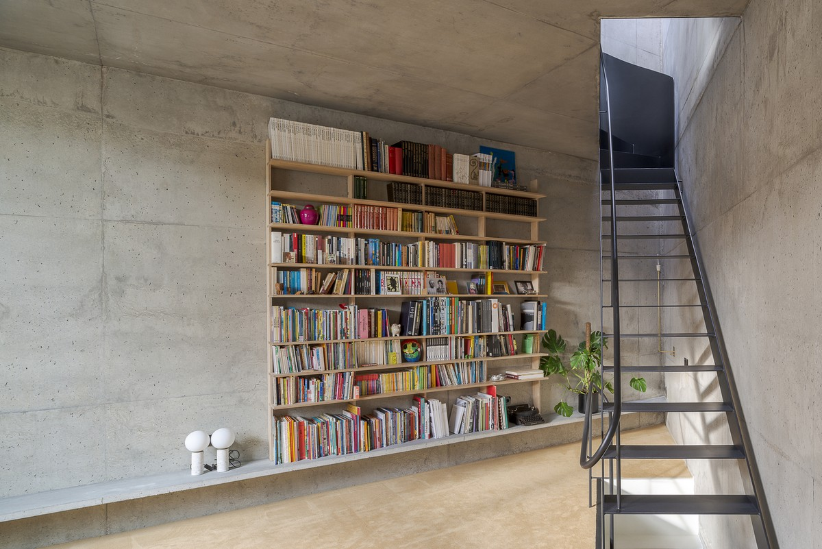 Discover The Minimalist Design of the Triangular House in Lisbon minimalist design Discover The Minimalist Design of the Triangular House in Lisbon Discover The Minimalist Design of the Triangular House in Lisbon 2