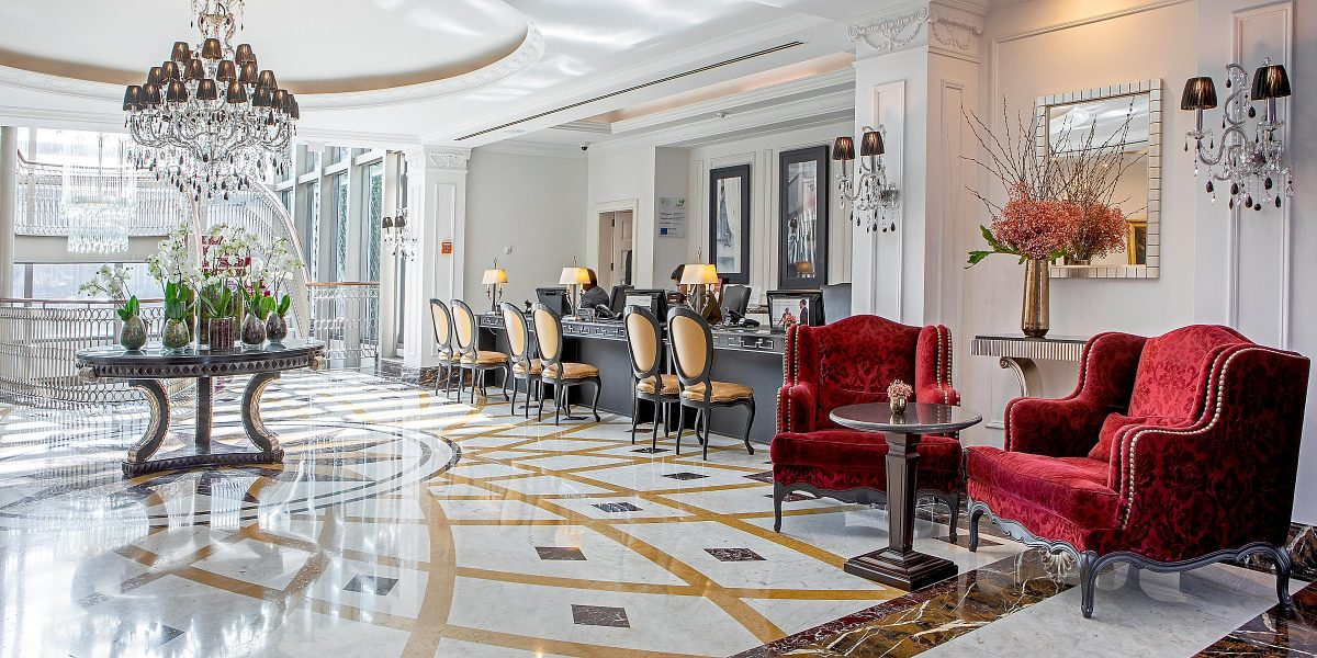 Luxurious And Pet-Friendly? Discover The Best Places To Take Your Faithful Companion pet-friendly Luxurious And Pet-Friendly? Discover The Best Places To Take Your Faithful Companion intercontinental porto 5857430298 2x1 1 e1567094219857