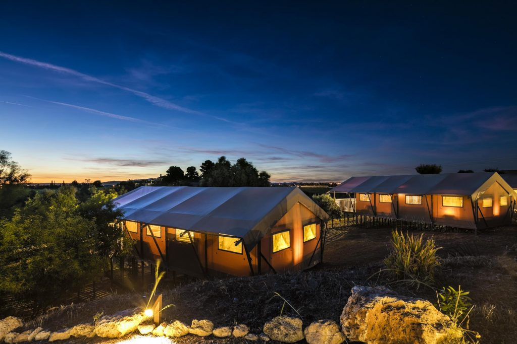 Glamping: Discover How To Glamorously Sleep Closer To Nature  Glamping: Discover How To Glamorously Sleep Closer To Nature 106
