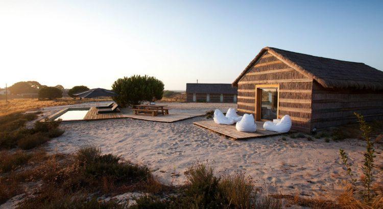 casas na areia Do You Need Inspiration For A Weekend Getaway? 'Casas Na Areia' Is The City Escape You Need! 41bda770e77685ee11892dc6912d9b83 1 750x410