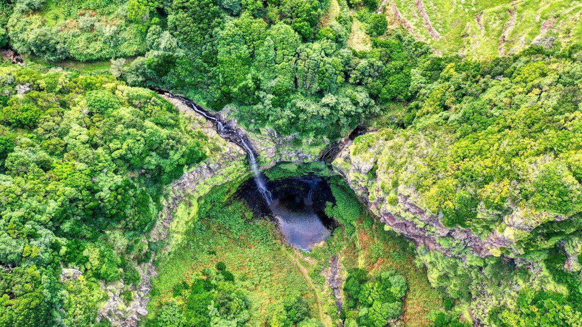 Santa Maria Island, The Incredible Rising Island santa maria island Santa Maria Island, The Incredible Rising Island DJI 0069 e1570550205784