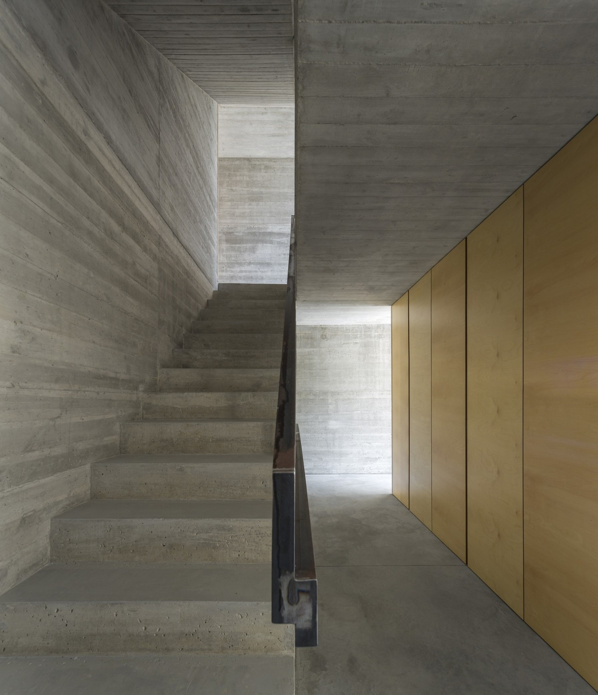 Discover The Minimalistic Architecture Of This Lisbon House minimalistic architecture Discover The Minimalistic Architecture Of This Lisbon House Discover The Minimalistic Architecture Of This Lisbon House 3