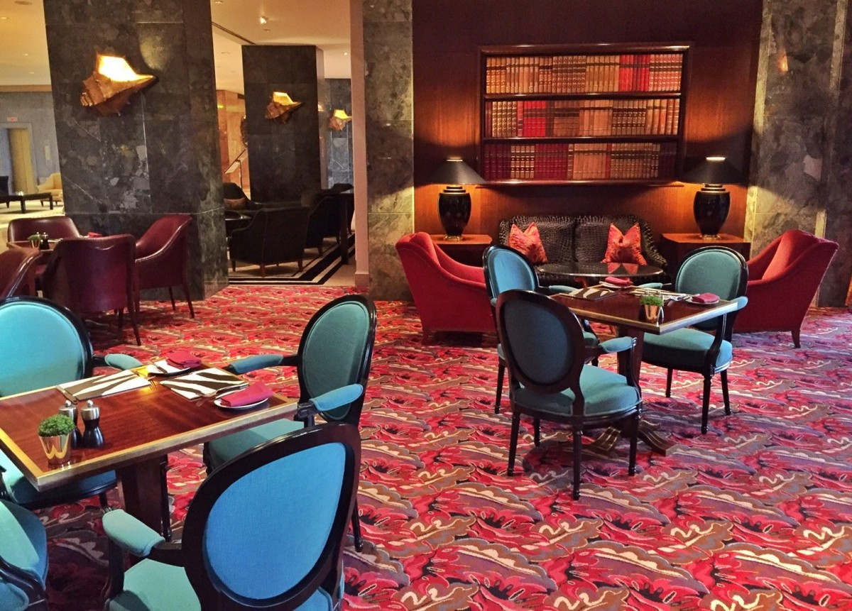 The Ritz Bar In Lisbon Is One of The World's 44 Best Hotel Bars the ritz bar The Ritz Bar In Lisbon Is One of The World's 44 Best Hotel Bars The Ritz Bar In Lisbon Is One of The Worlds 44 Best Hotel Bars 2