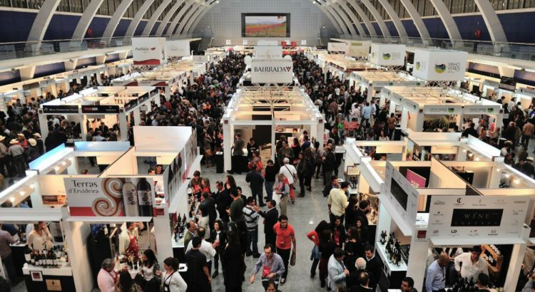 wine tasting Don't Miss The Biggest Wine Tasting Event in Lisbon This Weekend Dont Miss The Biggest Wine Tasting Event in Lisbon This Weekend 1 1 750x410