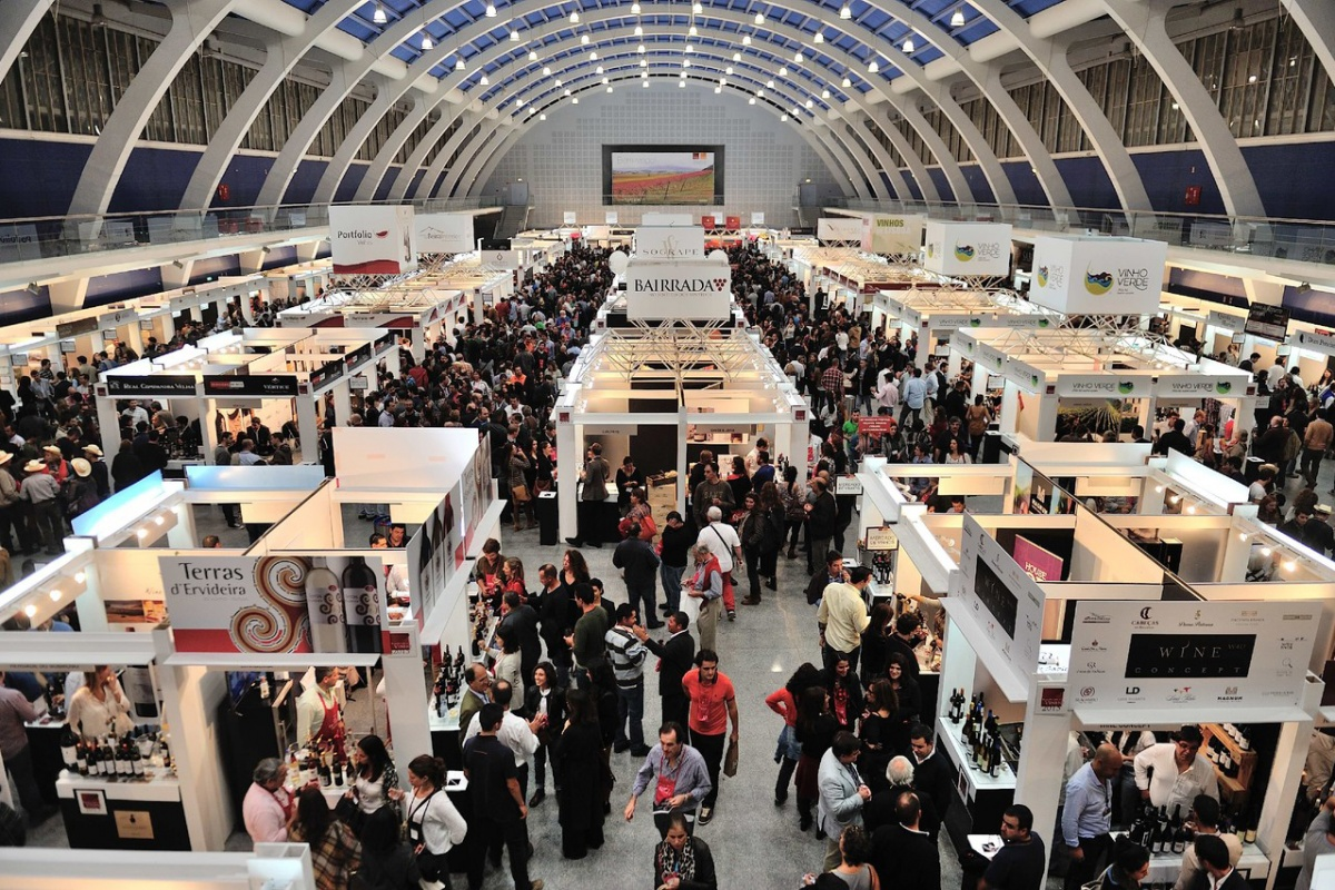 Don't Miss The Biggest Wine Tasting Event in Lisbon This Weekend wine tasting Don't Miss The Biggest Wine Tasting Event in Lisbon This Weekend Dont Miss The Biggest Wine Tasting Event in Lisbon This Weekend 1