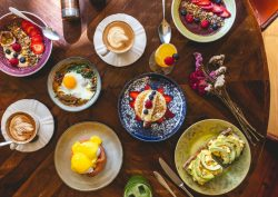 brunch The 12 Best Brunches in Porto & Surroundings featured1 250x177