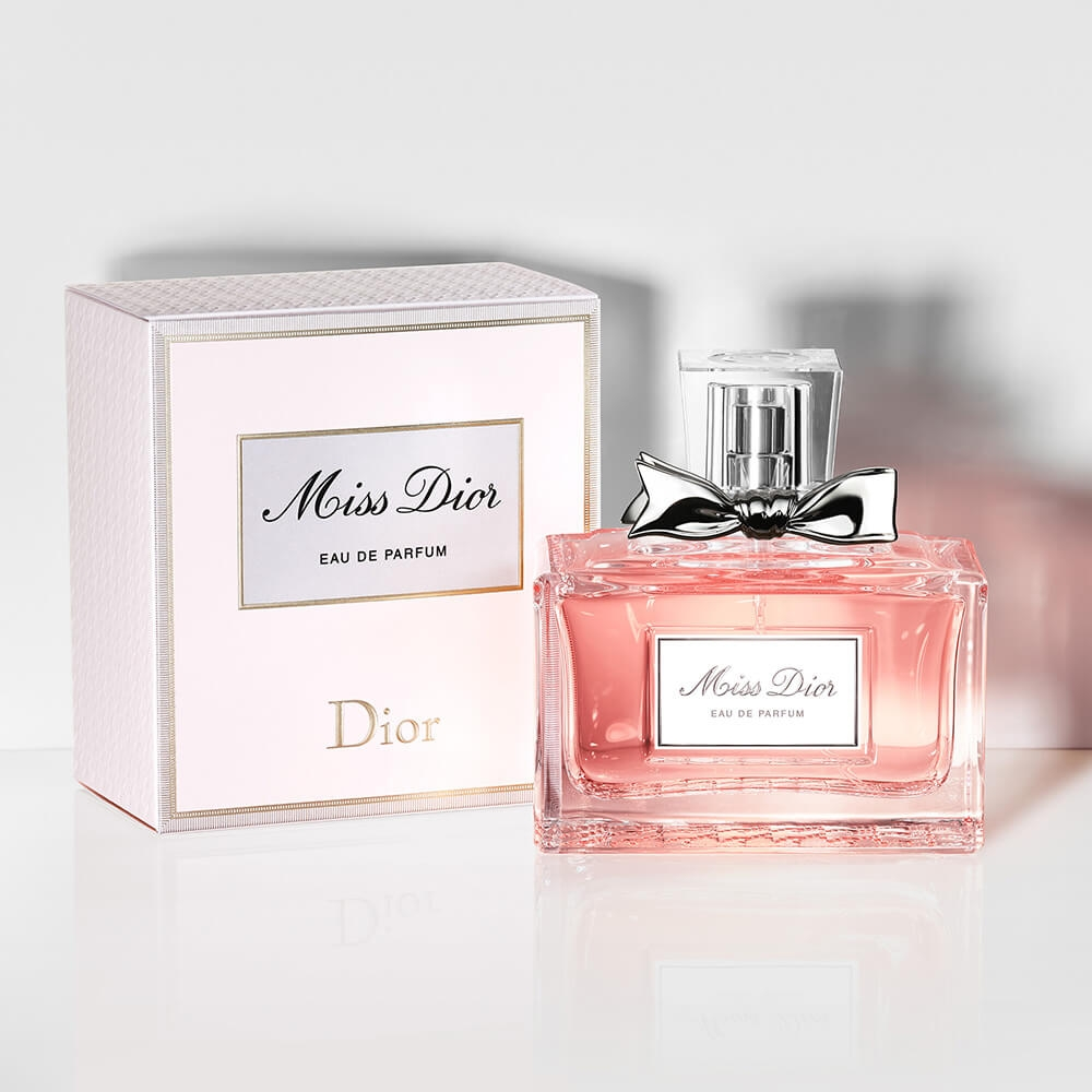 Dior Declares his Love for Perfume with the First Boutique in Lisbon dior Dior Declares his Love for Perfume with the First Boutique in Lisbon Dior Declares his Love for Perfume with the First Boutique in Lisbon 4