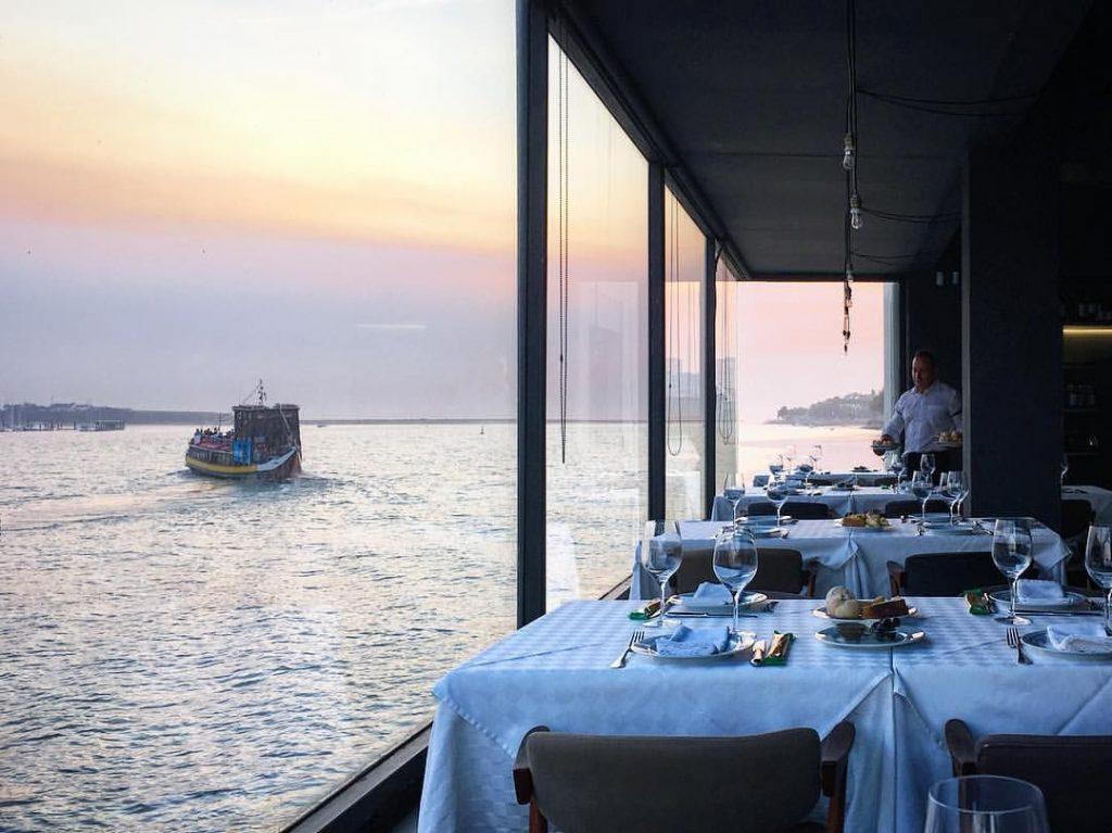10 Perfect Restaurants For The Most Romantic Evening Of The Year restaurants 10 Perfect Restaurants For The Most Romantic Evening Of The Year 70e68933e0a8ca9fb0e4fb3a73cc7ea4 1024x767