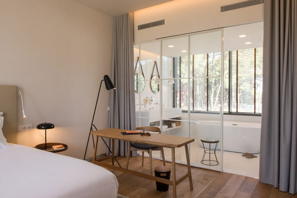 Paradise Near Lisbon: This New Luxury Hotel Combines Golf And Nature  hotel Paradise Near Lisbon: This New Luxury Hotel Combines Golf And Nature suite aroeira lisbon hotel 07 1024x683