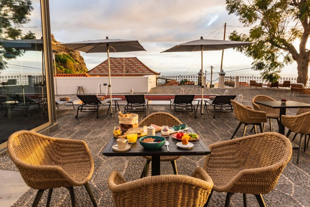 Secrets Tips: In Madeira, you can sleep in a Palace overlooking the sea madeira Secrets Tips: In Madeira, you can sleep in a Palace overlooking the sea 238376080 1024x682