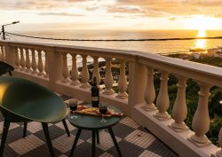 madeira Secrets Tips: In Madeira, you can sleep in a Palace overlooking the sea 238376258 1 250x177