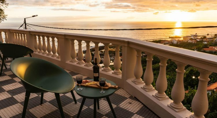 madeira Secrets Tips: In Madeira, you can sleep in a Palace overlooking the sea 238376258 1 750x410