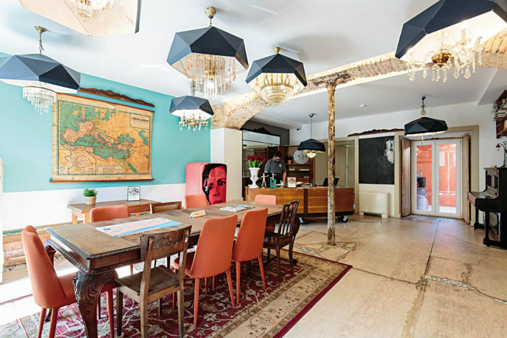 Amazing Guesthouses To Sleep In Lisbon With The Comfort Of A Hotel amazing guesthouses Amazing Guesthouses To Sleep In Lisbon With The Comfort Of A Hotel amazing guesthouses to sleep in lisbon with the comfort of a hotel 1 1