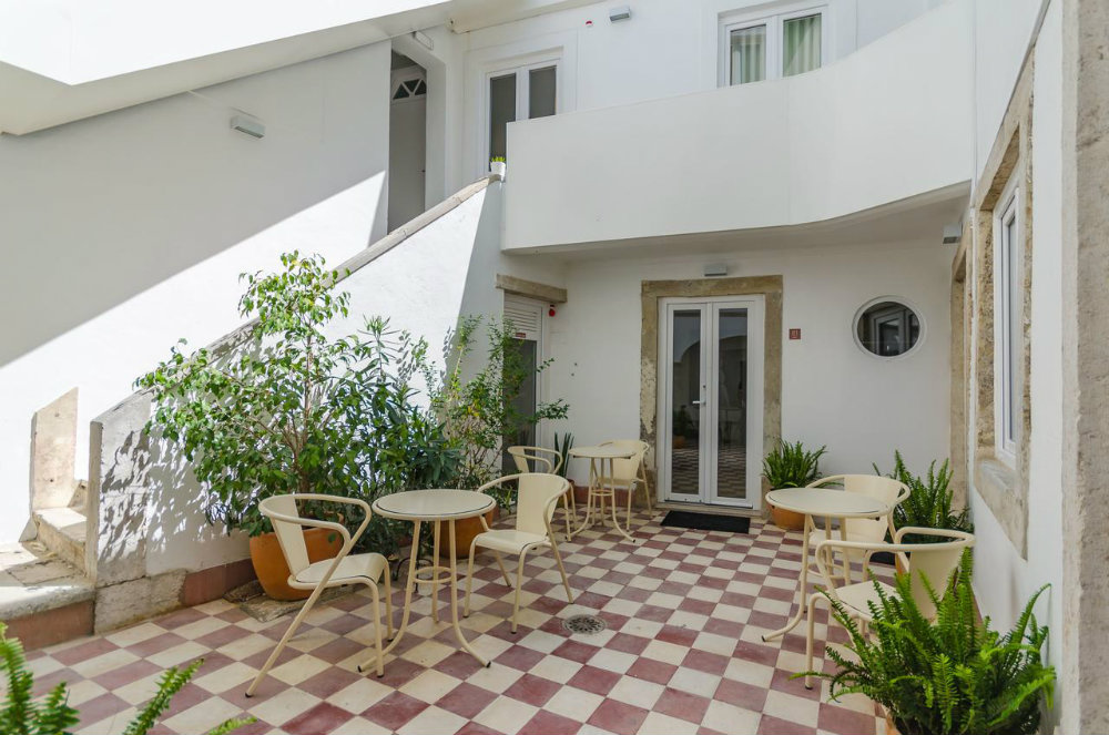 Amazing Guesthouses To Sleep In Lisbon With The Comfort Of A Hotel amazing guesthouses Amazing Guesthouses To Sleep In Lisbon With The Comfort Of A Hotel amazing guesthouses to sleep in lisbon with the comfort of a hotel 7 1
