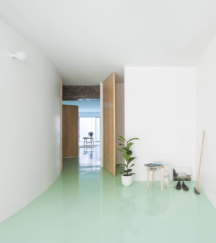 This Apartment In Porto Has A Mint Green Floor And It Looks Amazing mint green floor This Apartment In Porto Has A Mint Green Floor And It Looks Amazing this apartment in porto has a mint green floor and it looks amazing 1 1 907x1024