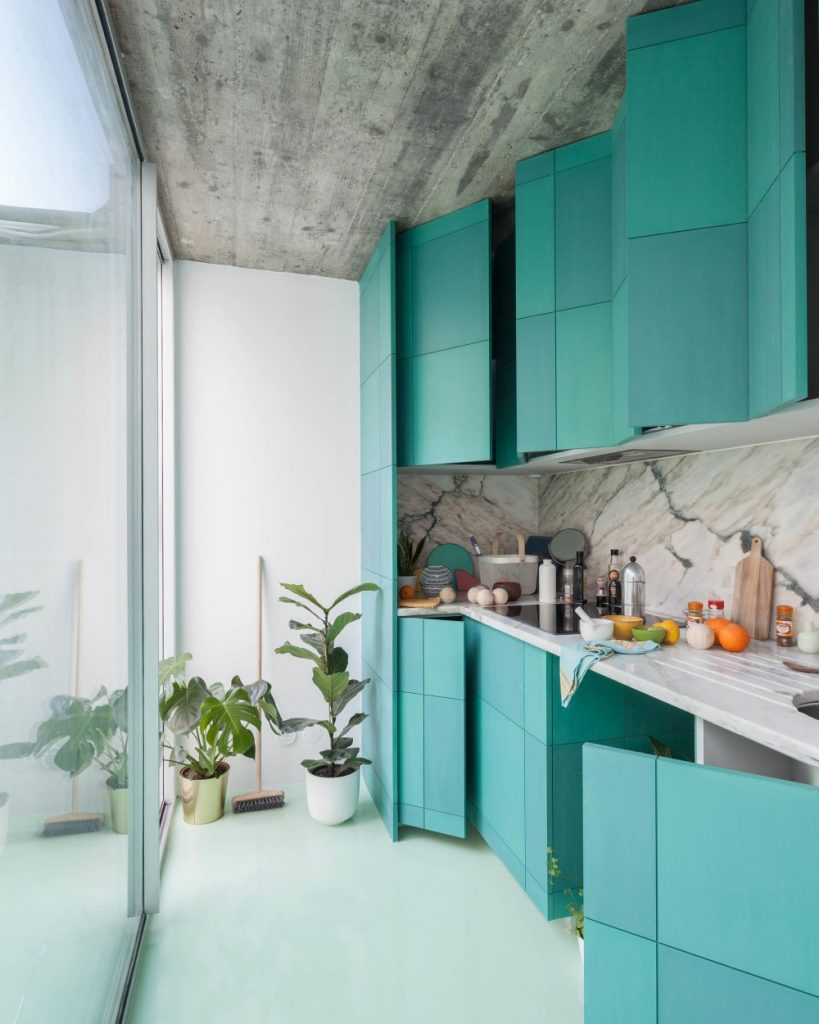 This Apartment In Porto Has A Mint Green Floor And It Looks Amazing mint green floor This Apartment In Porto Has A Mint Green Floor And It Looks Amazing this apartment in porto has a mint green floor and it looks amazing 5 1 819x1024