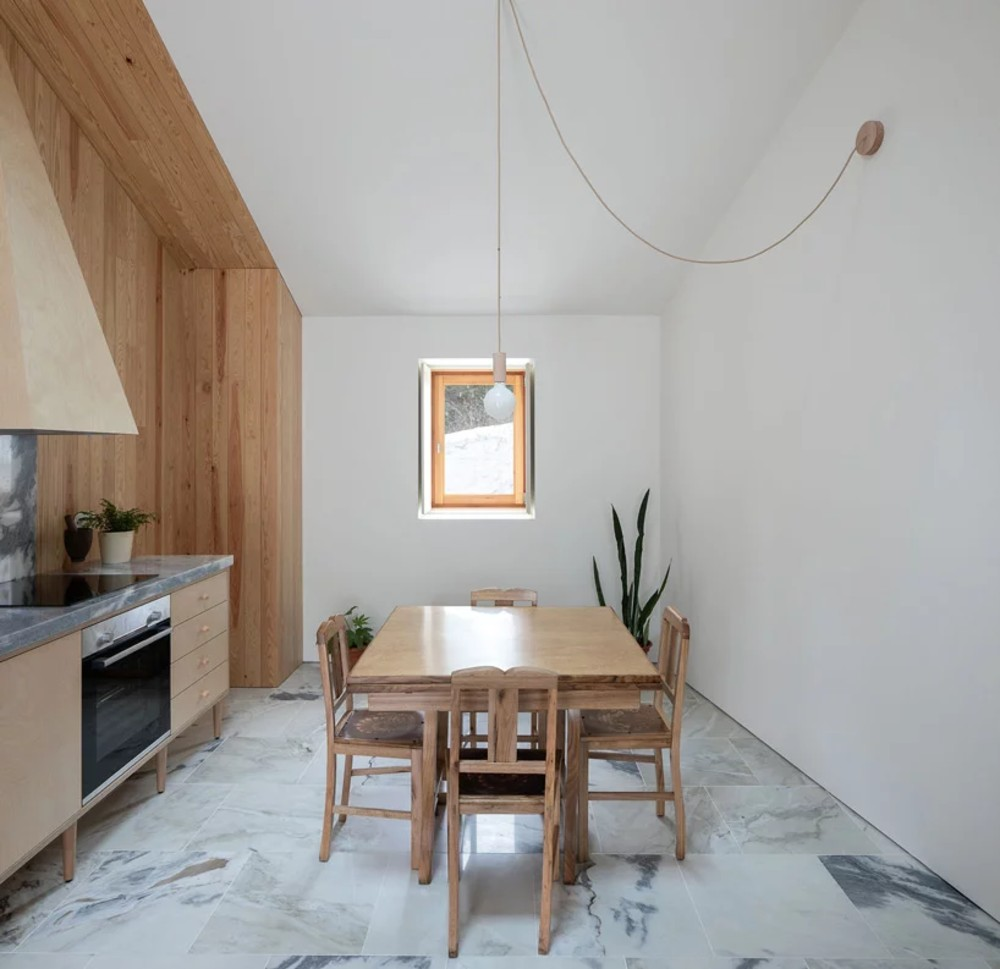 Ti Clara House: The Minimalist Farmhouse in Portugal  Ti Clara House: The Minimalist Farmhouse in Portugal ti clara house the minimalist farmhouse in portugal 3